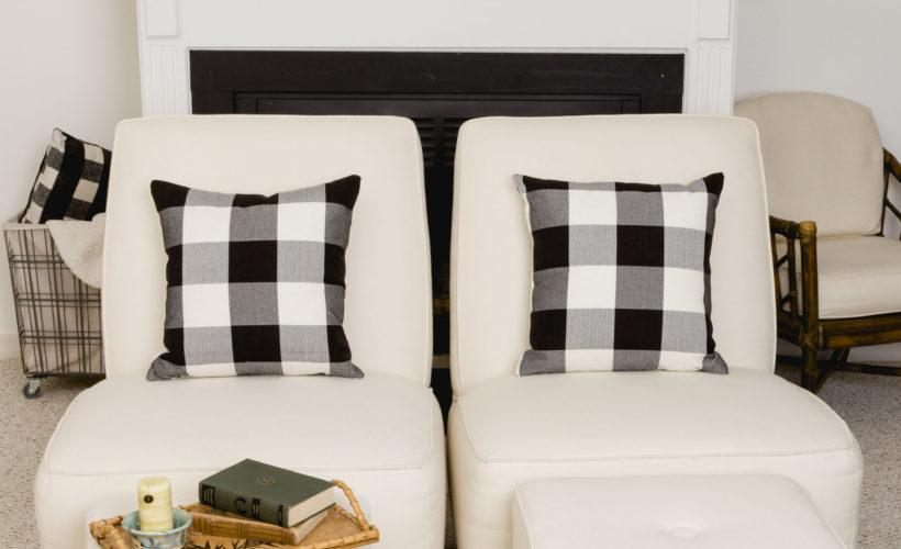 Familyroom Facelift, Sunbrella Fabric for Upholstery and Slipcover #sunbrellafabric #offwhitefabric #easycleanfabric #kippiathome