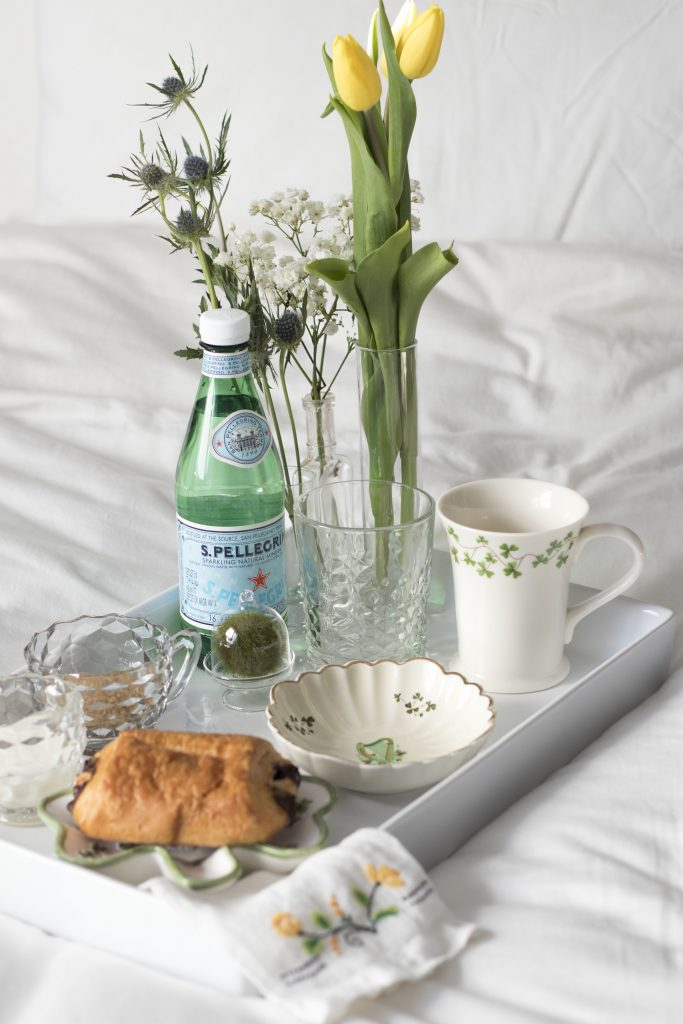 Saint Patrick's Day coffee in bed, served with Irish emblems, treat yourself with breakfast in bed #breakfastinbed #stparicksday #selfcare #coffee #irishemblems