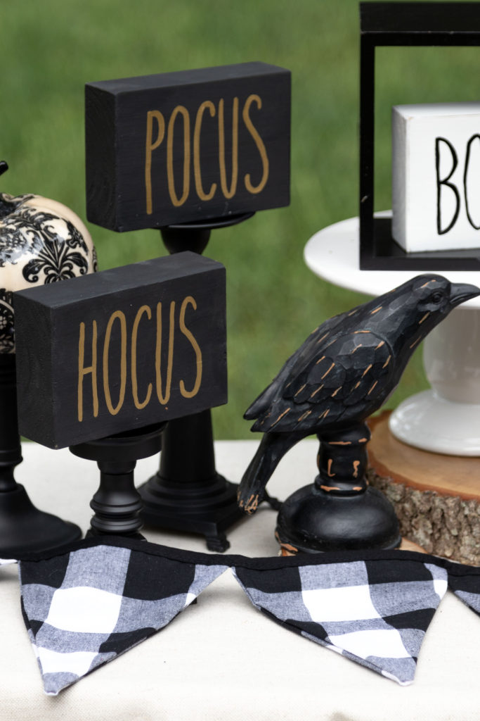 Hocus Pocus Halloween DIY signs