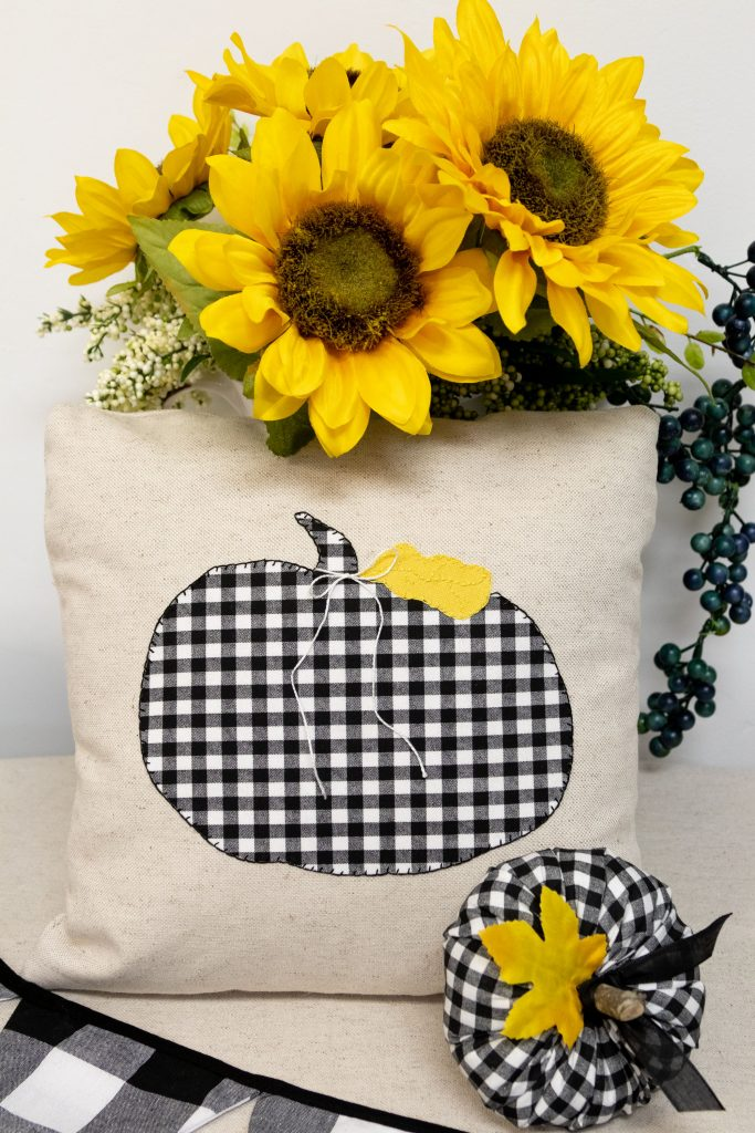 Sunny fall fun pumpkin decor, happy fall pillow and pumpkin free patterns and instructions