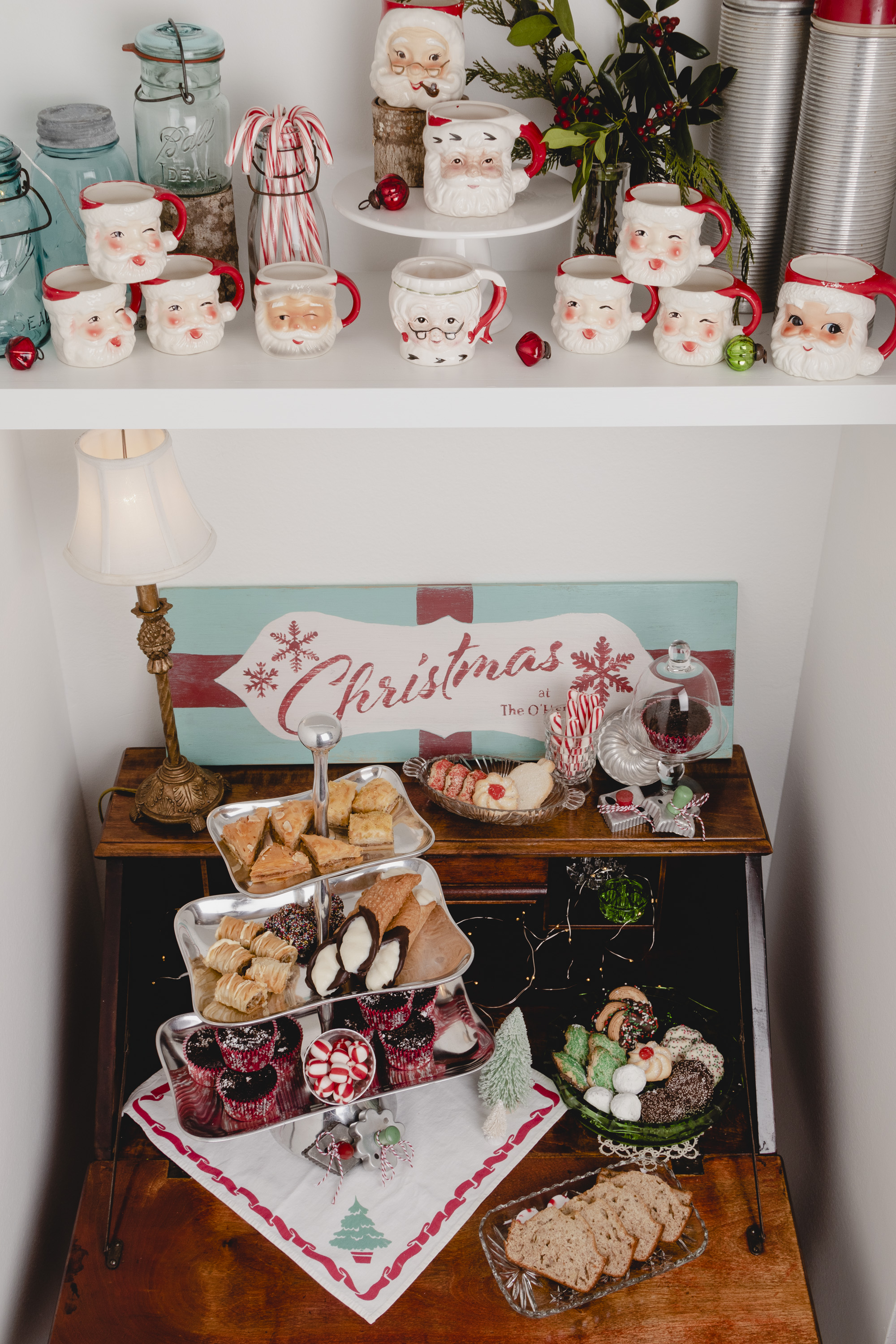 Holiday Home Tour Blog Hop Vintage Santa and Cookies