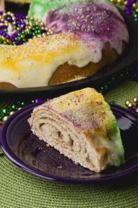 Mardi Gras Delicious King Cake, recipe #mardigras #kingcake #fattuesday #kippiathome
