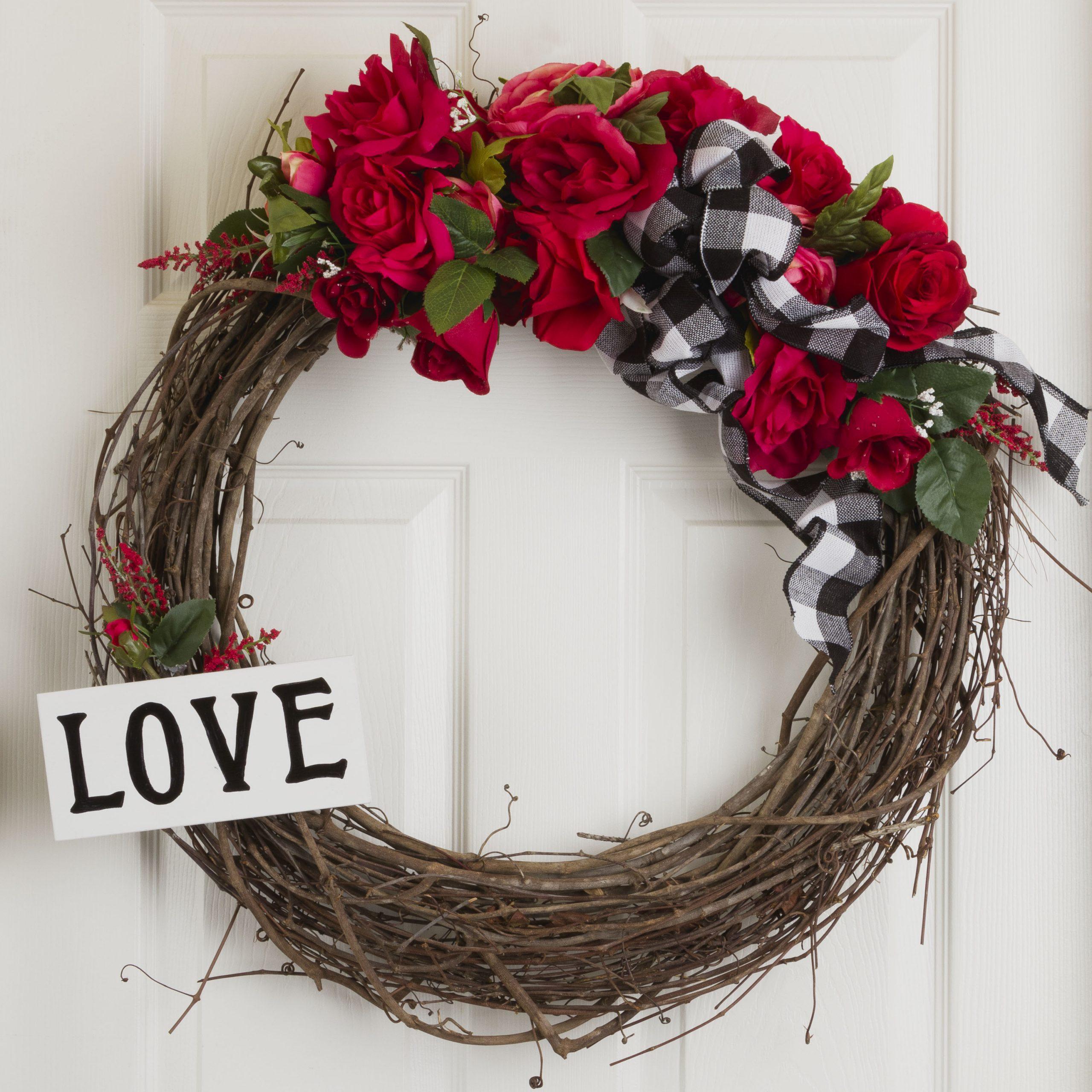 Valentine's Wreath DIY, Easy and Fast DIY, Make a Lovely Wreath, Learn How #wreath #valentinedecor #diy #sign #kippiathome