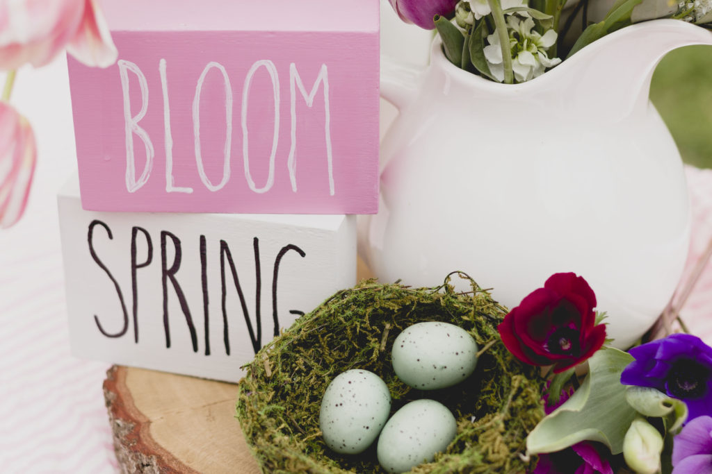 Bloom and Spring, cute sign DIY