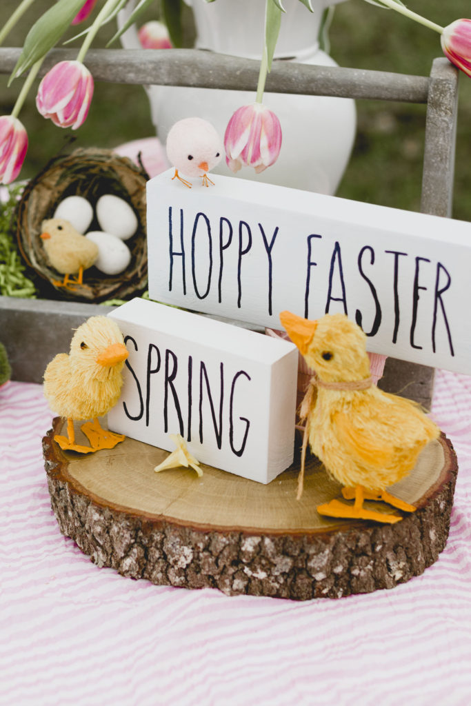 Easter Vignette, Easy DIY signs