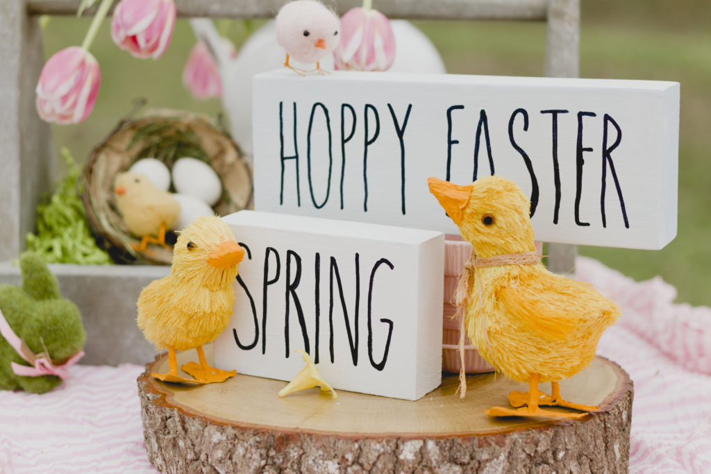 Hoppy Easter and Spring block signs, DIY signs