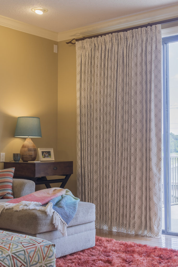 Stack Back, Extra Large Window Problems Solved #windowtreatments #problemwindows #kippiathome