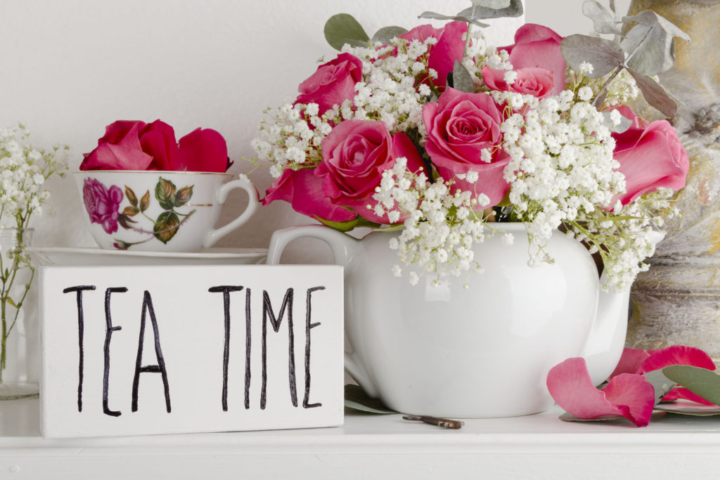 Tea Time and Floral Arrangement, easy DIY