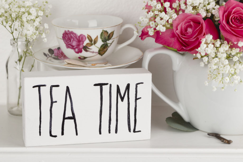 Tea Time Sign DIY, easy floral arranging, teapot filled with roses