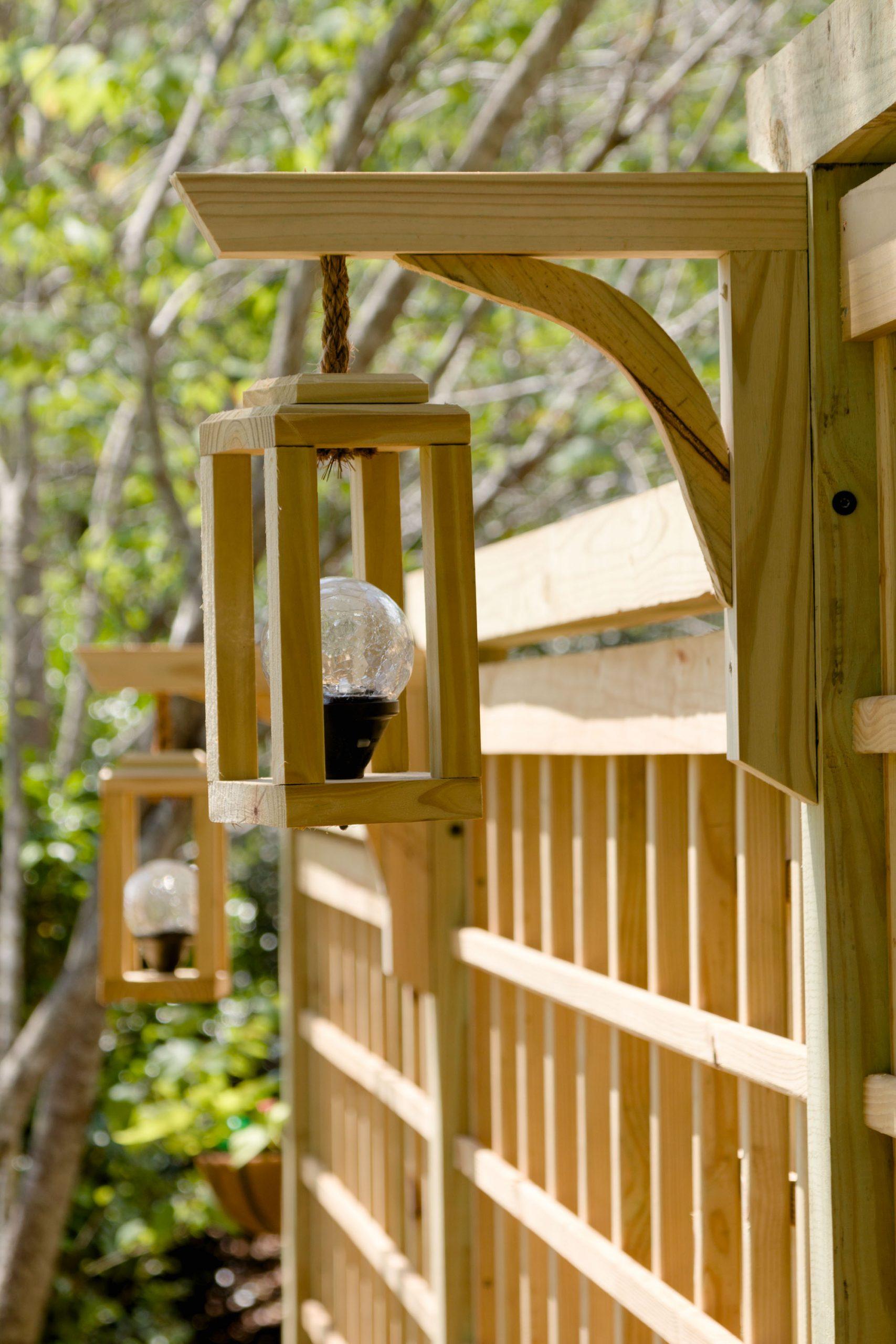 Lantern and Garden Screen Trellis