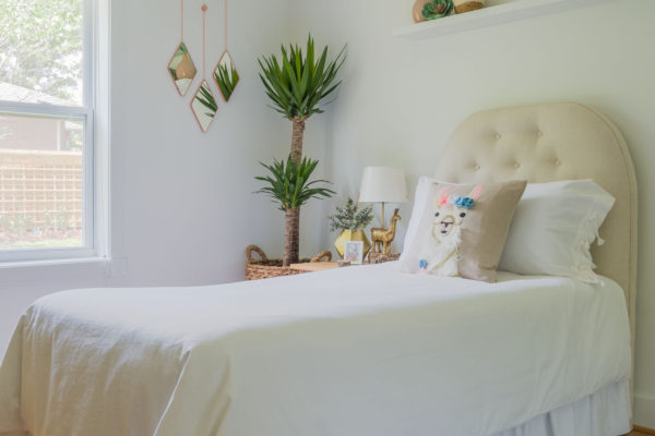 Olivia's pretty bed with llama pillow, DIY with SVG file
