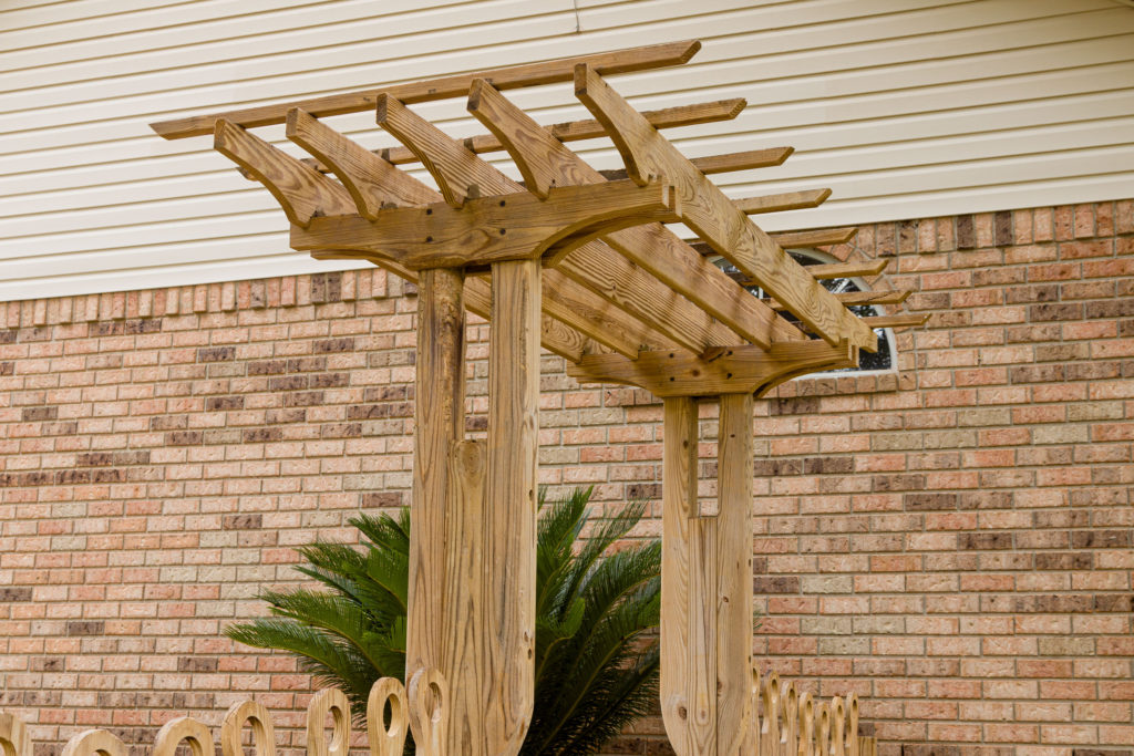 Garden Trellis, adding hanging baskets, step by step guide