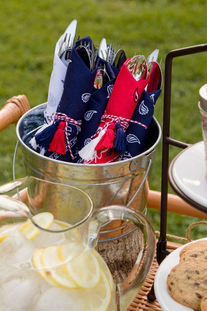 Bucket with easy tassels bandanna napkin rings