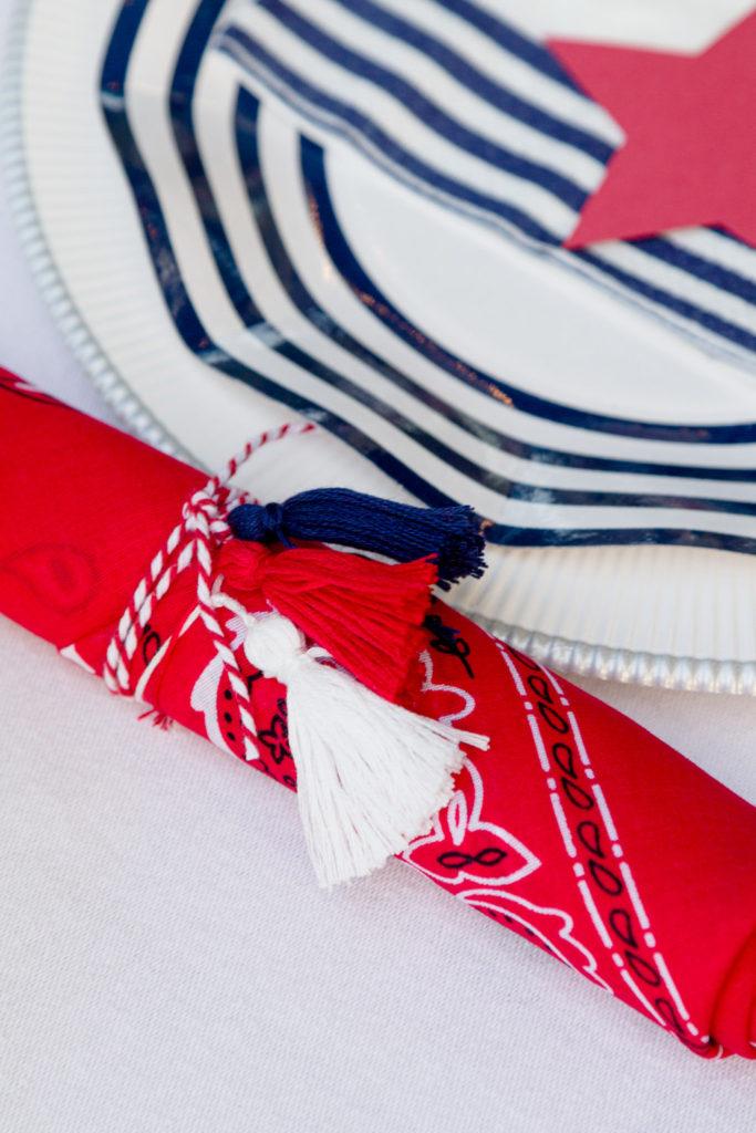 Bandanna napkin with tassels