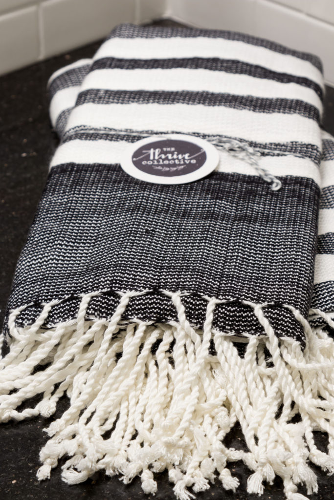 Woven tassel towels