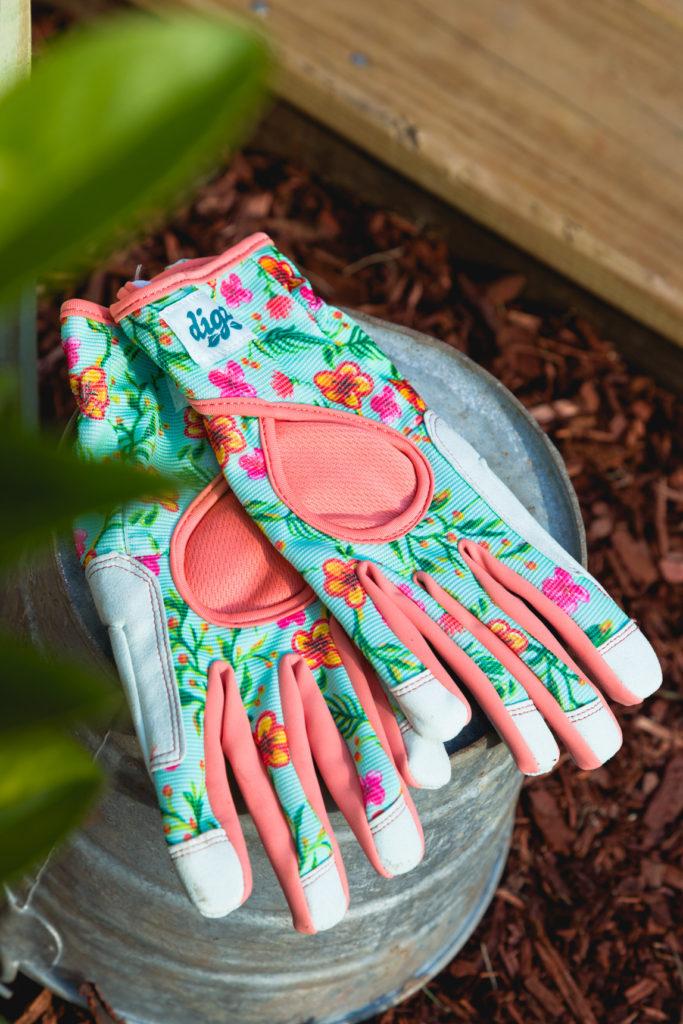 Comfortable gardening gloves