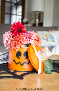Upcycle tin pumpkin