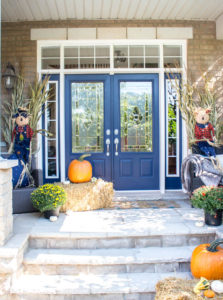 Easy fall porch decorating