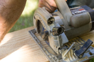 Cutting the riser tops with a circular saw