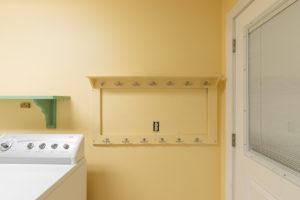 Coat hook shelf