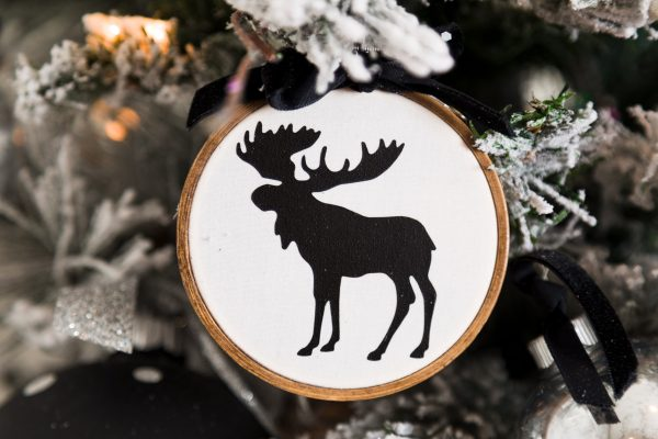 Moose embroidery hoop DIY ornament