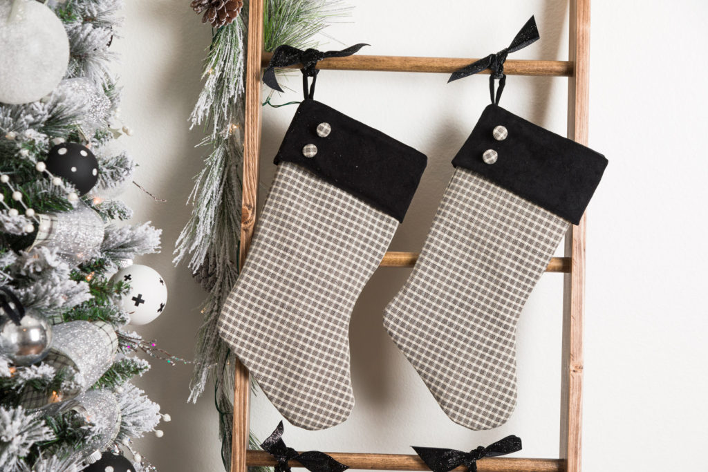 DIY Rustic Farmhouse blanket ladder with Farmhouse Christmas stockings
