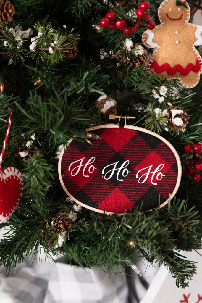 Christmas embroidery hoop ornament , buffalo check fabric, ho ho ho