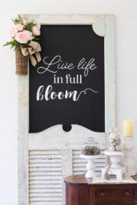 Farmhouse screen door chalkboard