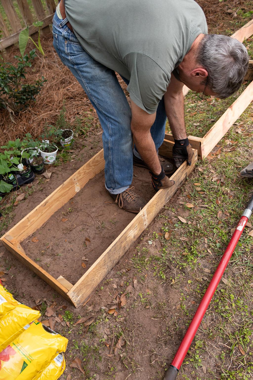 Easy raised vegetable garden beds