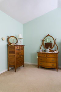 Antique Furniture Bedroom Dresser and Chest of Drawers