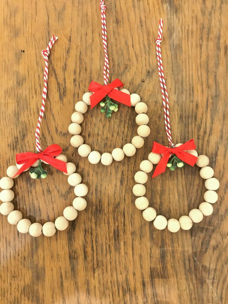 DIY Christmas Ornaments - Beaded wreath