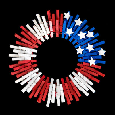 Patriotic Decor – DIY American Flag Clothespins Wreath