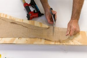 Trim the extra burlap