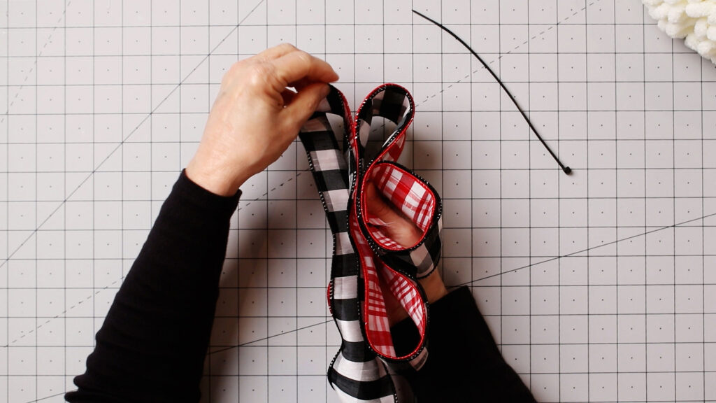 Adding the second row of ribbon loops
