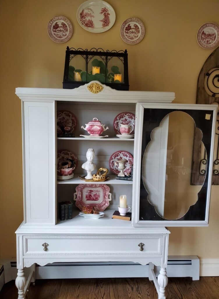 French Cottage Hutch