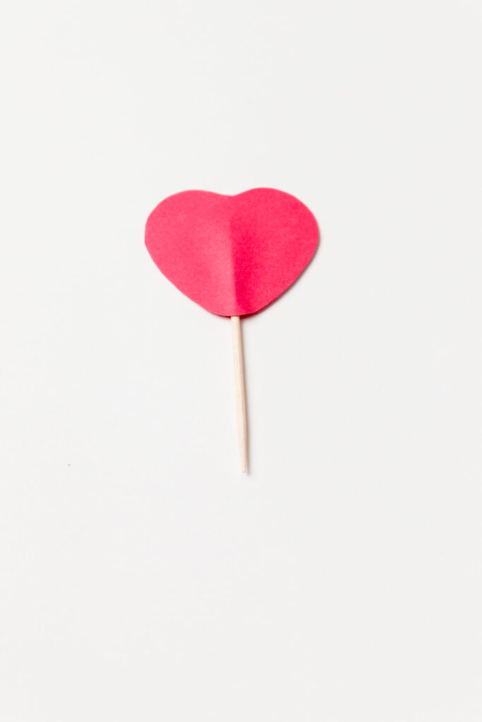 The back view of the heart pick