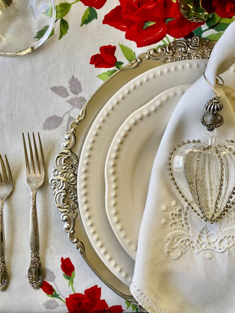 Romantic Valentine's Table Settings