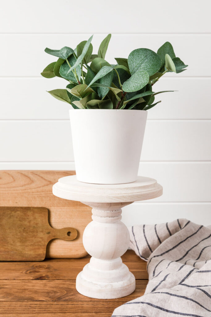 Cake stand with flower pot