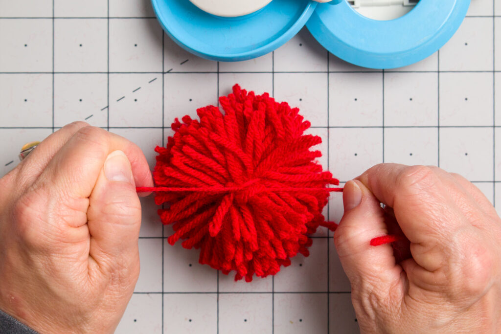 Tying the center yarn tighter