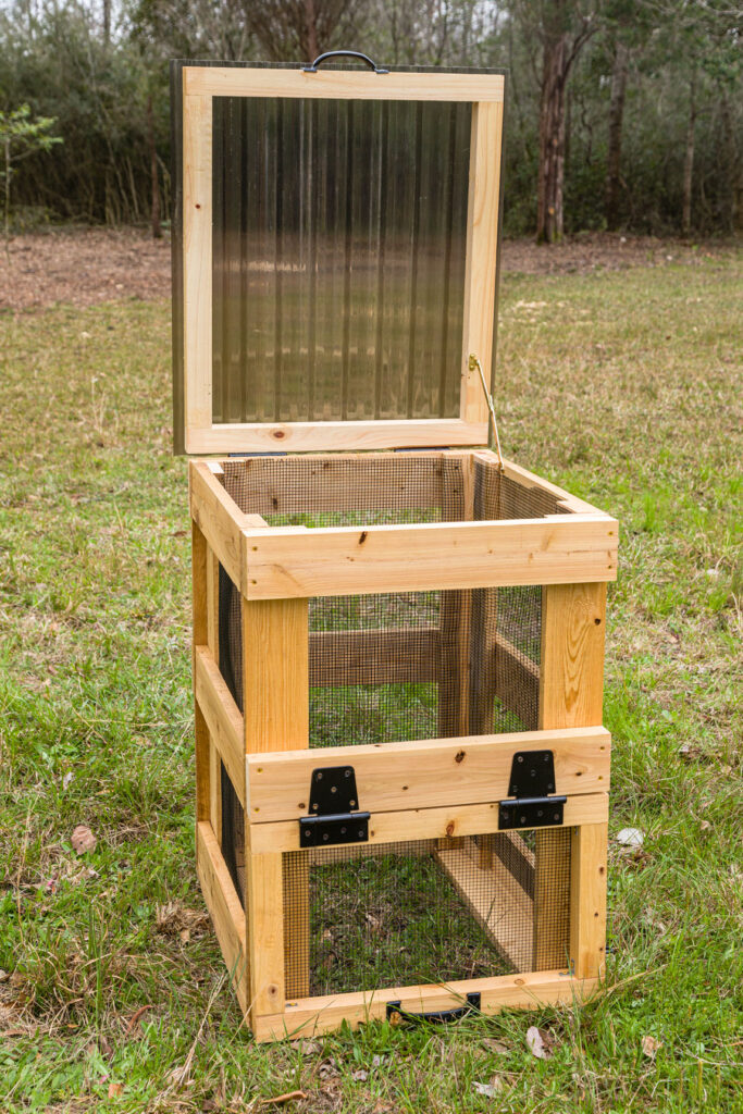 Compost bin with lid open