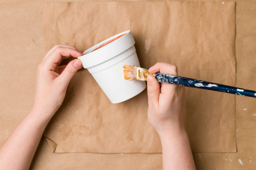 Painting Terracotta Pot with white chalk paint