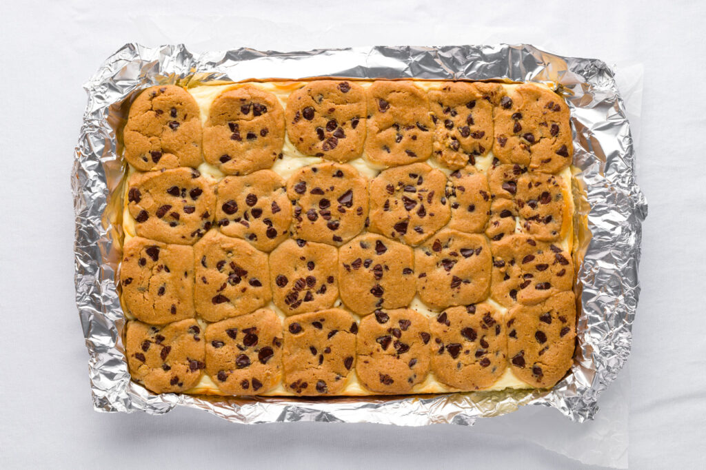 Baked Chocolate chip bar cookies